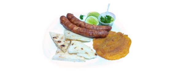 Otro delicioso producto proveniente de nuestra tierra, el chorizo, en arepas Cumaná sentimos que provee esa dosis de proteína necesaria para complementar el suave sabor de la arepa de maíz aumentando en su relleno el sabor inigualable de nuestra arepa.